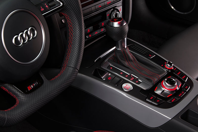 2015-audi-rs-5-coupe-sport-edition-interior