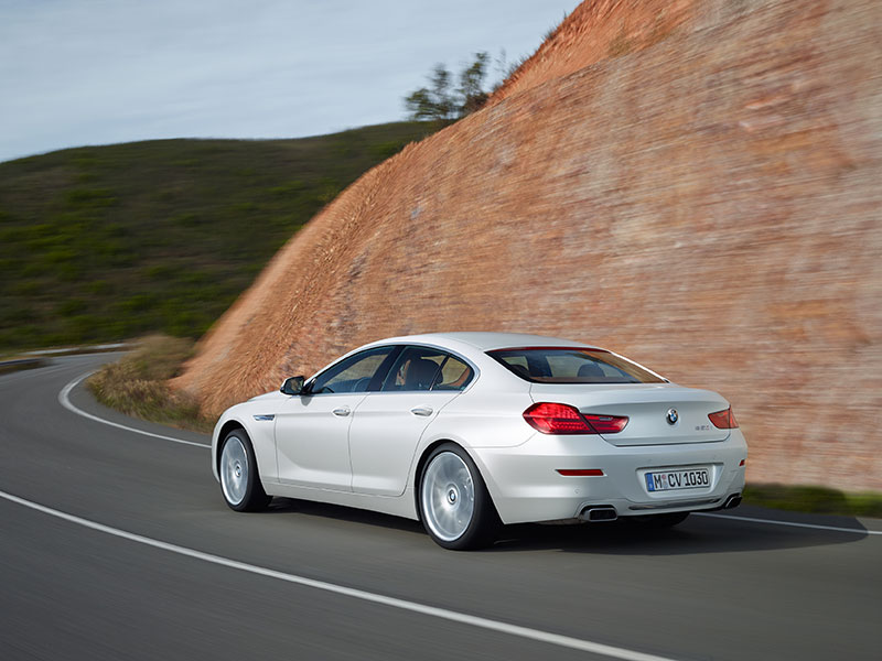 2016-BMW-6-Series-white-rear