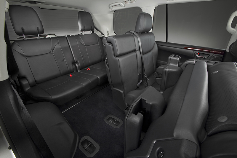 2013-Lexus-LX-570-rear-seating
