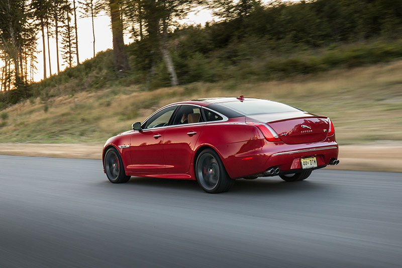 2014-Jaguar-XJR-rear