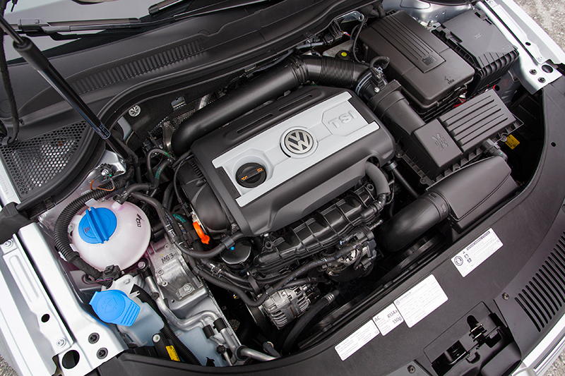 2014-VW-CC-engine