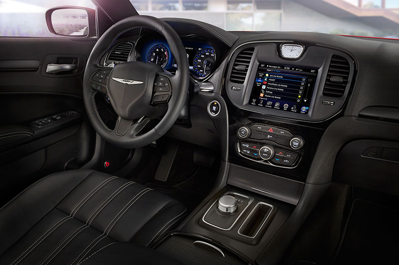 2015-Chrysler-300-interior