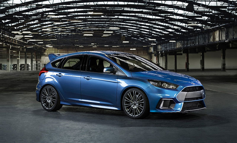 2015-Ford-Focus-RS-side