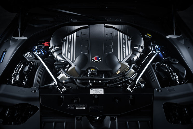 2016-BMW-B6-Alpina-engine