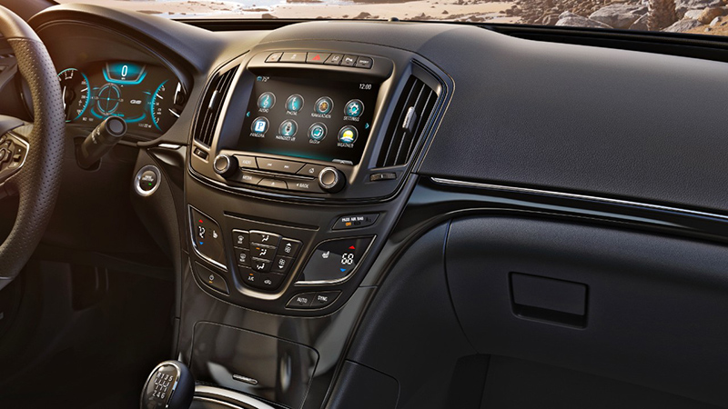 2015-Buick-Regal-GS-interior-two