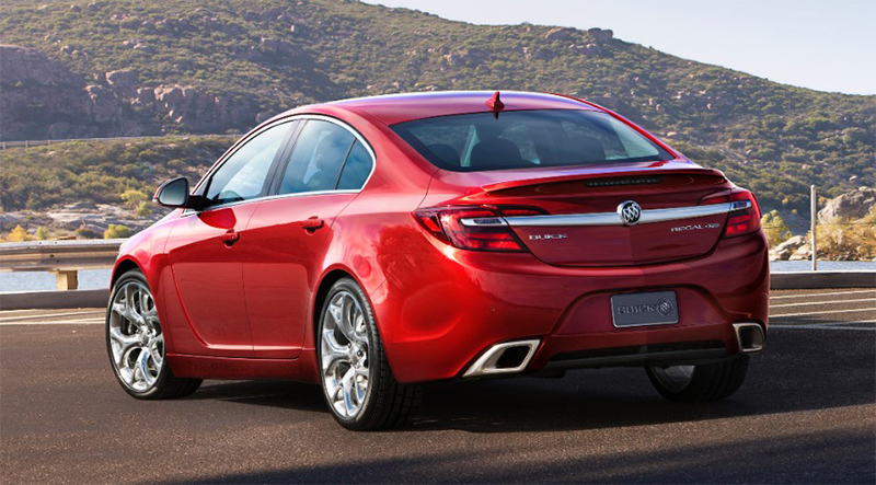 2015-Buick-Regal-GS-rear