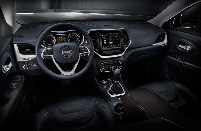 2015-Jeep-Cherokee-interior