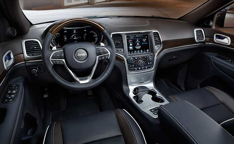 2015-Jeep-Grand-Cherokee-interior