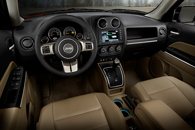 2015-Jeep-Patriot-rear-interior