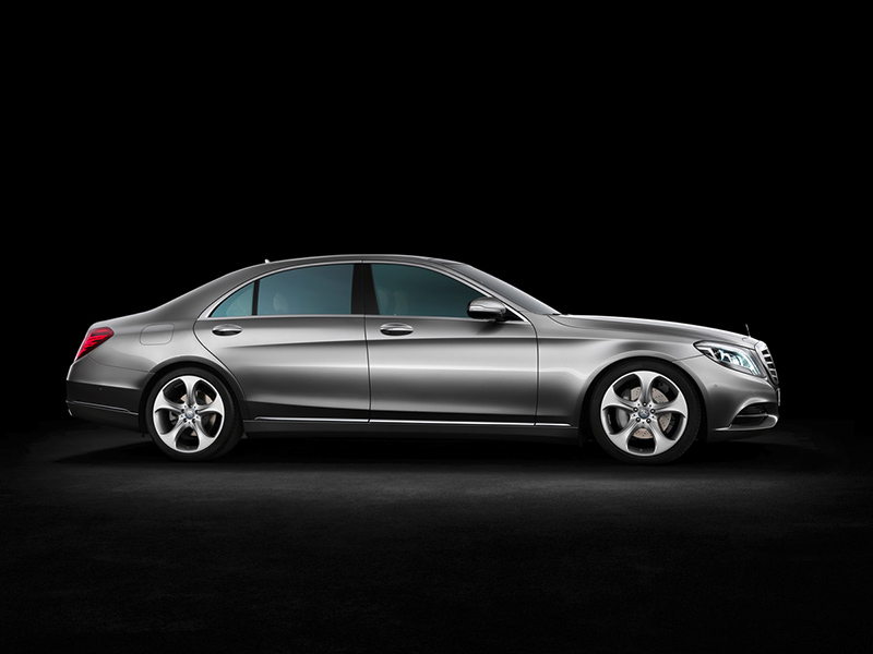2015-Mercedes-Benz-S-Class-side