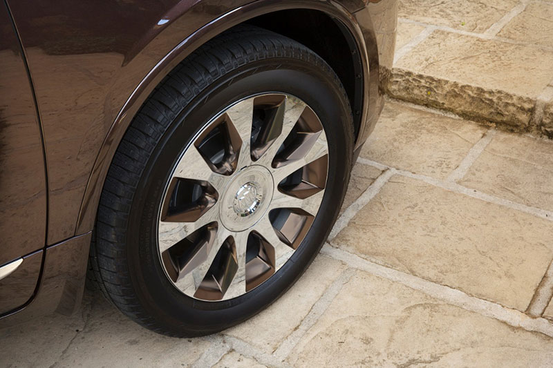 2016-Buick-Enclave-Tuscan-Edition-rims