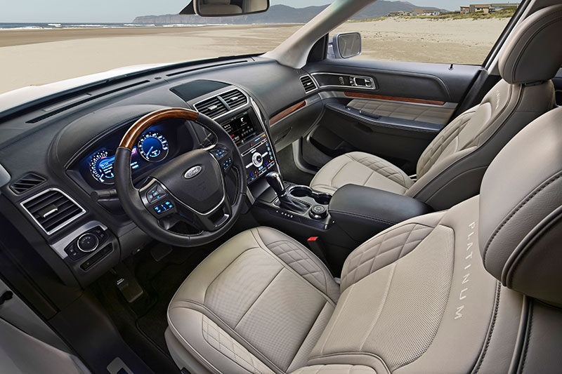 2016-Ford-Explorer-interior