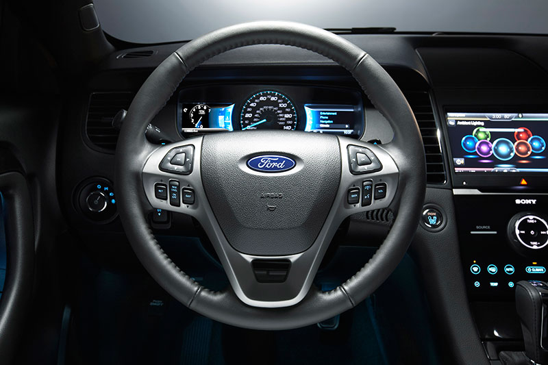 2015-Ford-Taurus-SHO-interior