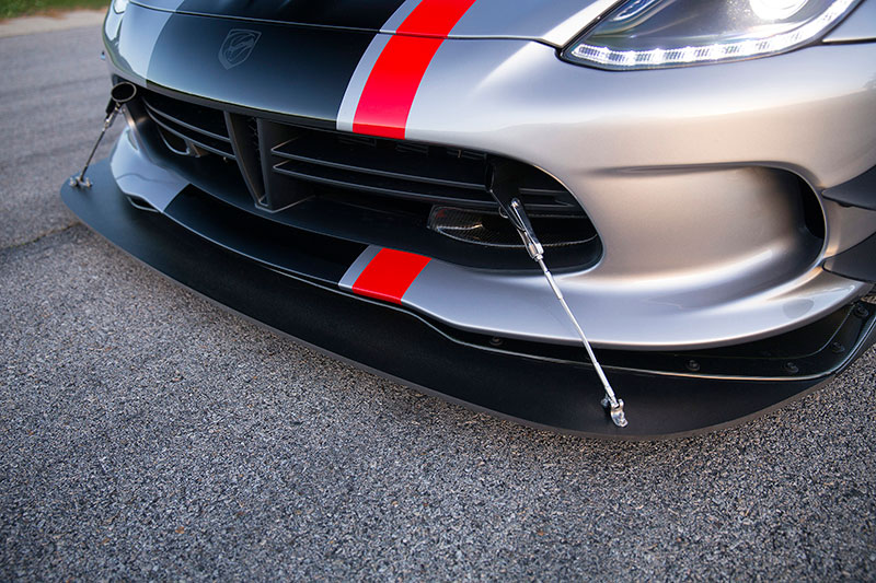 2016-Dodge-Viper-ACR-splitter
