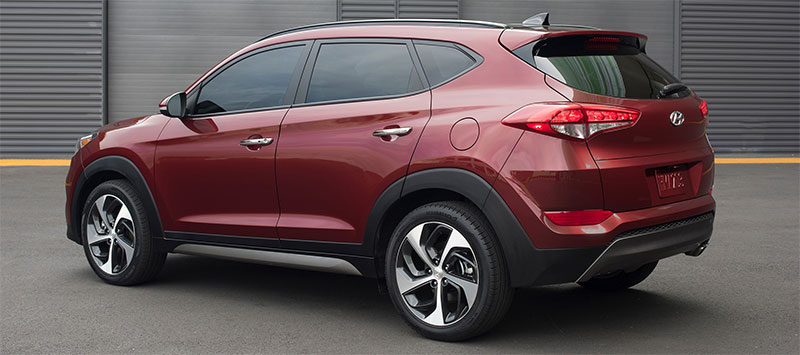 2016-Hyundai-Tucson-side