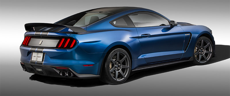 2016 Shelby GT350R Mustang-rear profile