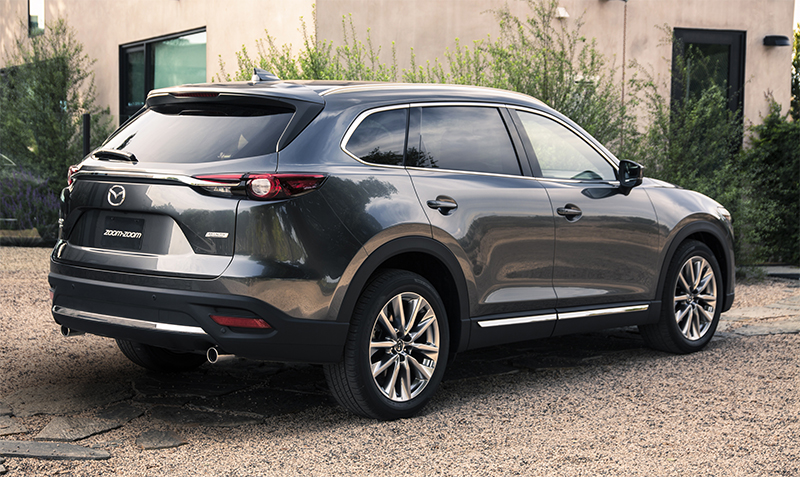 2017 Mazda CX-9-rear profile